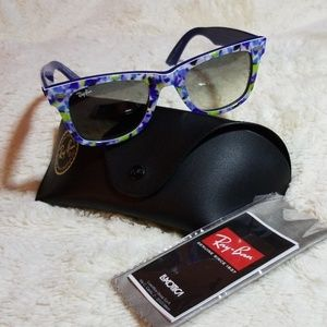 Ray-Ban (NEVER WORN) Floral Wayfarer Sunglasses